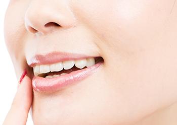 綺麗な歯並びで自信が生まれます